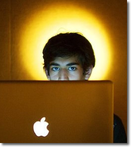 Aaron Swartz hangs himself in NYC on January 11, 2013